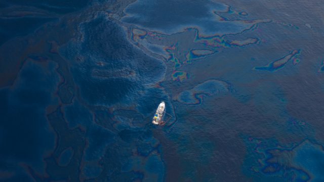 Oil spill profoundly affects Northwest Florida economy