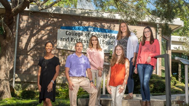 Grant funds education of  students pursuing STEM  teaching careers